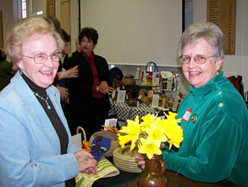 WTB President Jan Garman (right) presided at the dinner. Here she shares a laugh with her friend, Margo Koten.