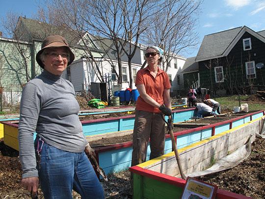 WTB Members Work at Garden
